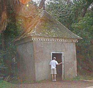 Tabby Smokehouse (Bleak Hall, Edisto Island) Built in 1840