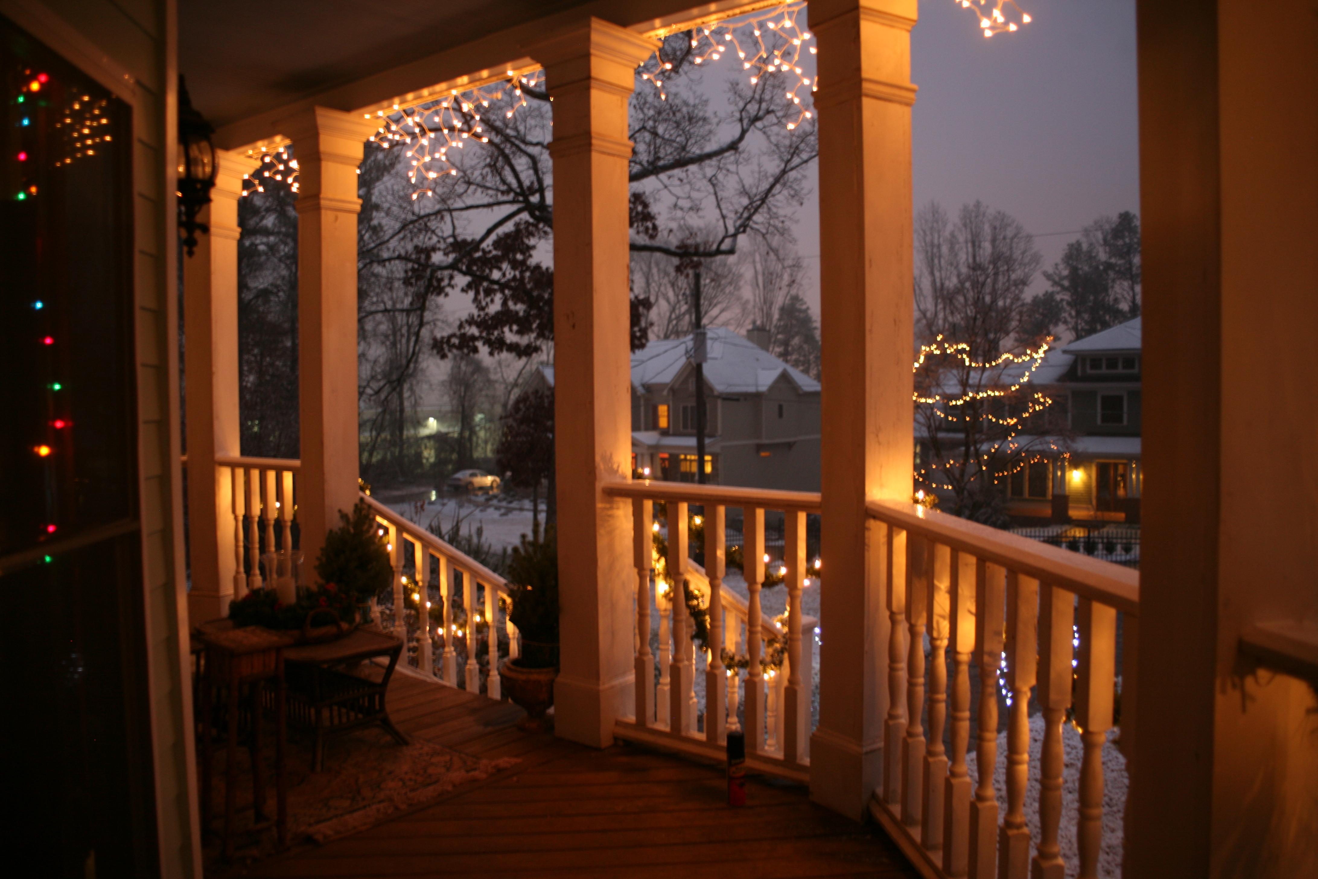 Lowcountry christmas charleston through an artist 39 s eye for Lowcountry lighting